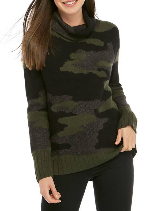 Womens Camo Pullover