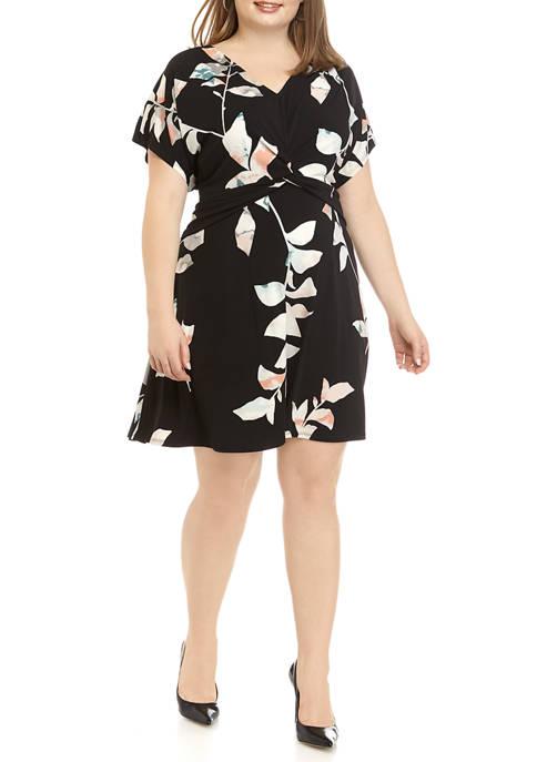 Plus Size Short Sleeve Twist Front Dress