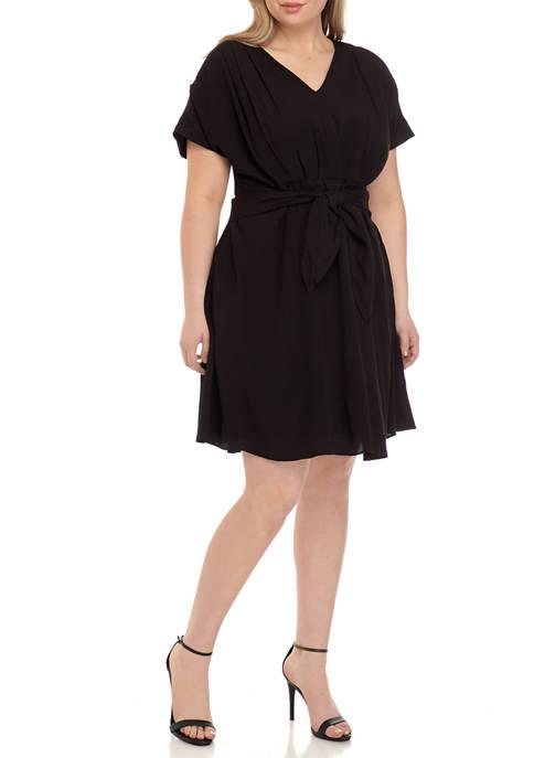 Plus Size Short Sleeve Pleated Dress