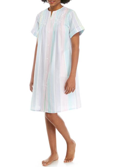 Miss Elaine Seersucker Short Button Robe
