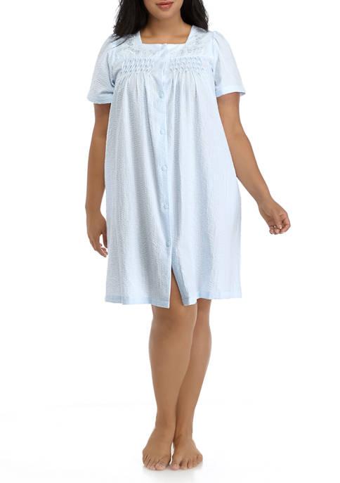 Plus Size Seersucker Long Zip Robe