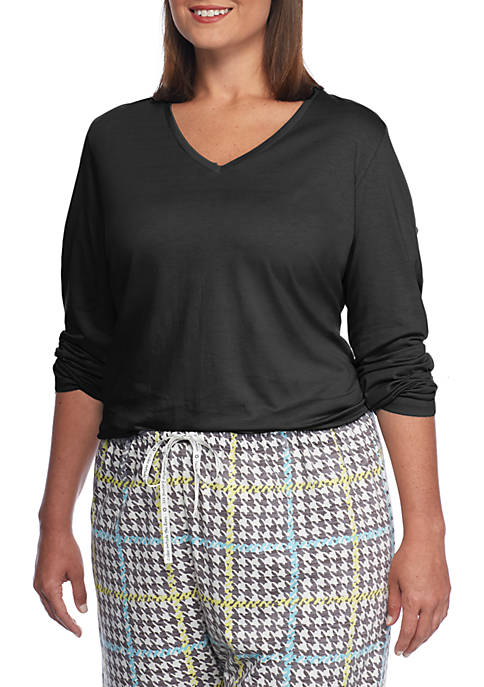 Plus Size Long Sleeve V-Neck Plus Size Tee