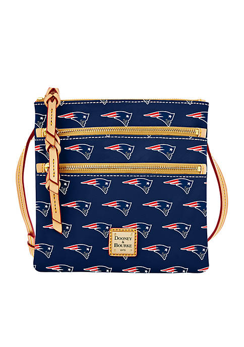 Patriots Triple Zip Wristlet