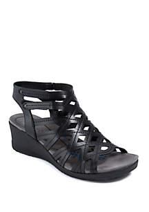 BareTraps Trella Black Sandals