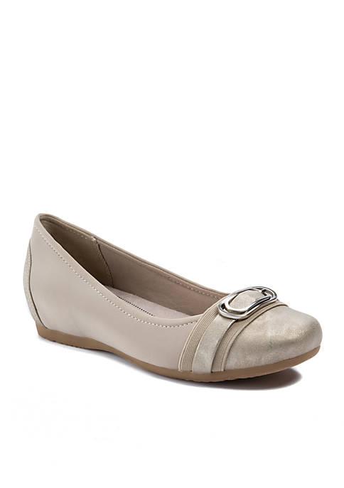 White Mountain Makayla Suedette Heels | belk