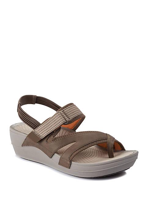 BareTraps Brinley Mushroom Wedge Sandals
