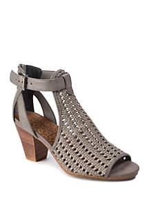 BareTraps Reatha Sandals