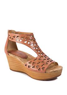 996646707db ... BareTraps Miriam Wedge Sandals