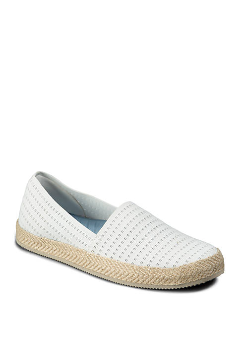 Yesenia Flats
