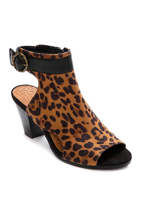 Reining Natural Leopard Heels