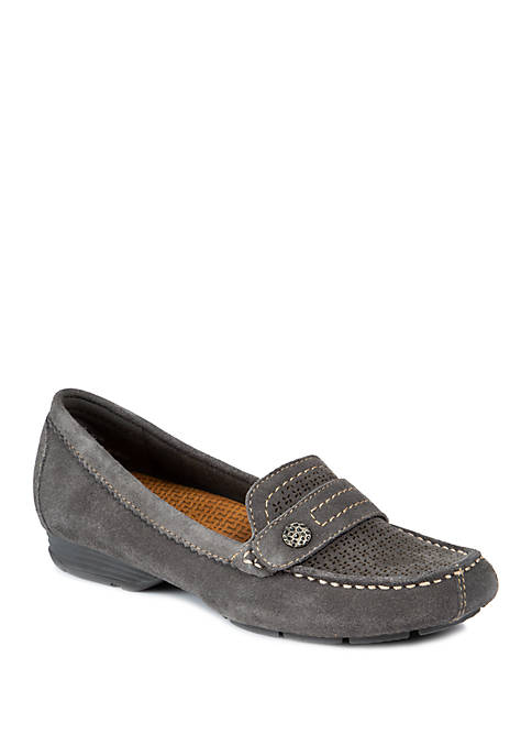 BareTraps Oakes Moccasin Flat Shoes