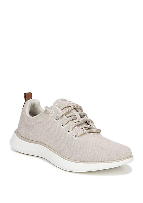 Freestep Sneaker