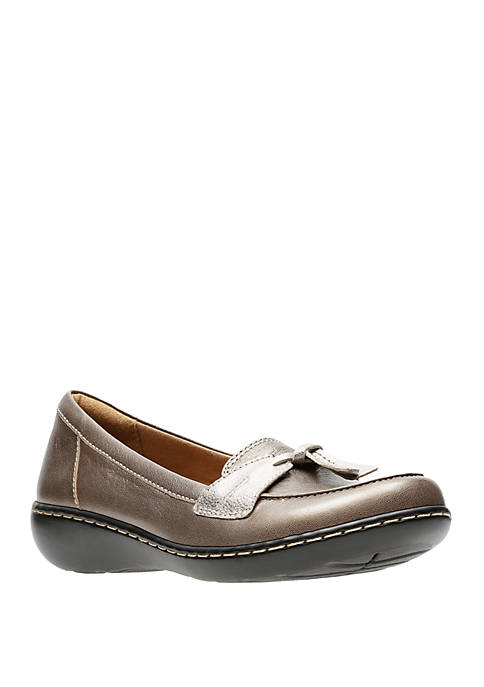 Clarks Ashland Bubble Tassel Loafer