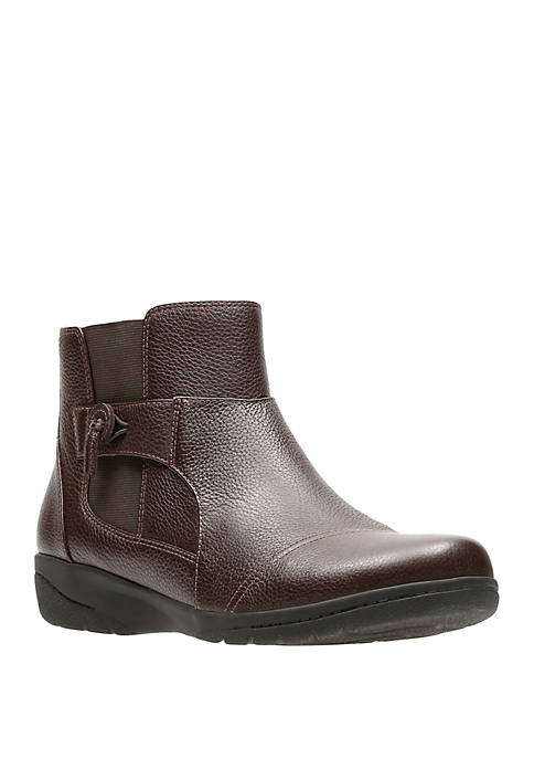 Clarks Cheyn Work Brown Booties