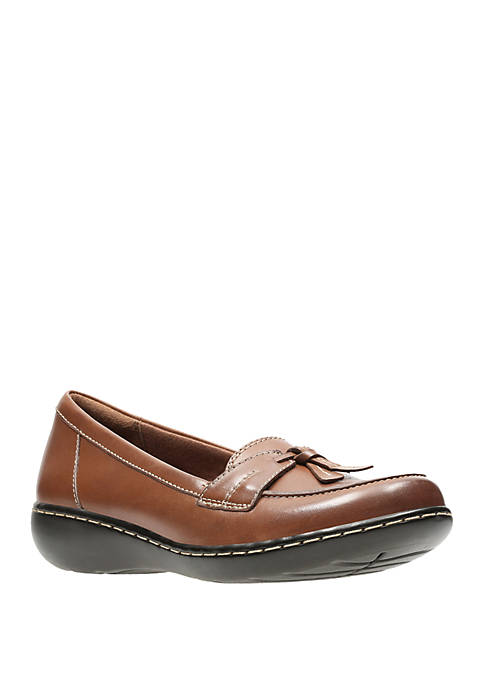 Clarks Ashland Bubble Tassel Loafers