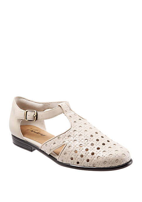 Trotters Leatha Weaved Cut Out Flats