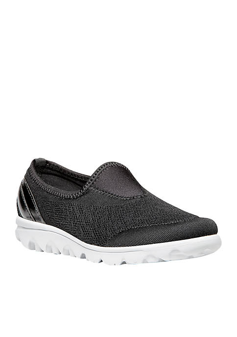 TravelActiv Slip-On Sneaker