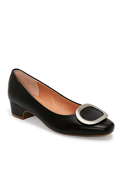 me Too Giada Pilgrim Ornament Dress Shoe