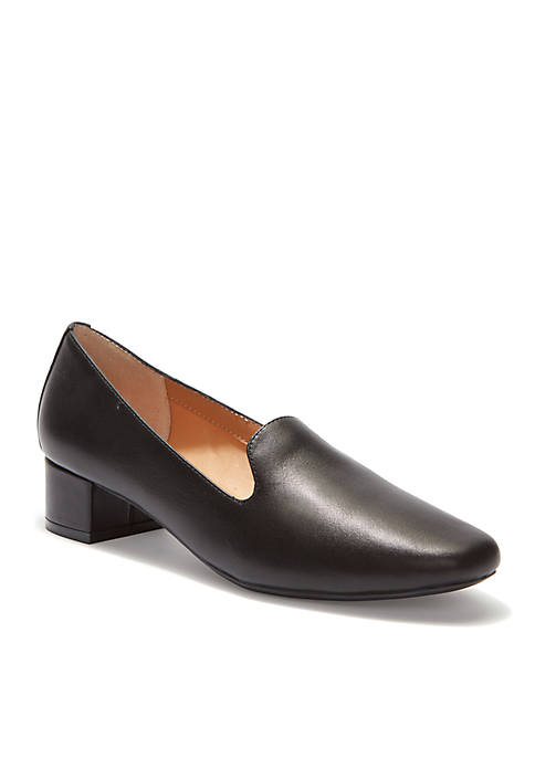 me Too Gwen Low Block Heel Pump