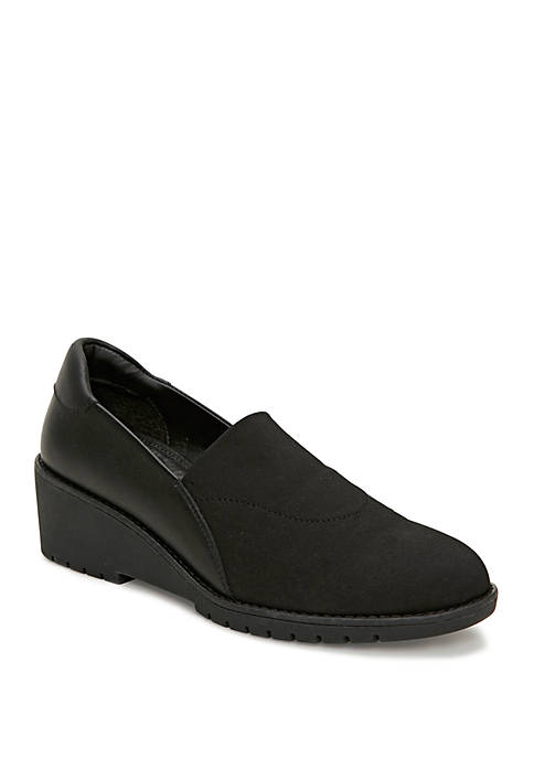 Adam Tucker by Me Too Nolte Platform Wedge