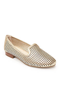 me Too Yale Perforated Flat