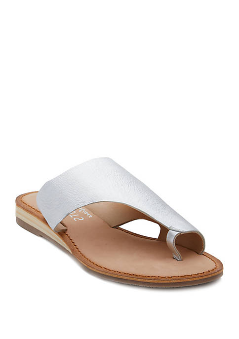 Coconuts by Matisse Whitney Toe Ring Sandals