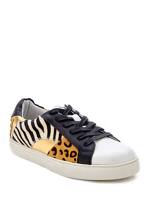 Zoe Sneakers