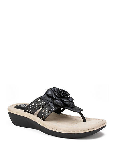 Cliffs by White Mountain Cynthia Cut Out Sandals