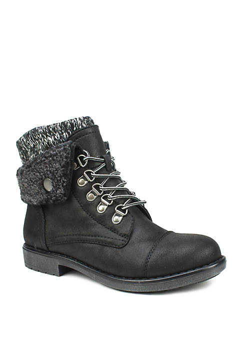 Cliffs by White Mountain Downey Ankle Booties