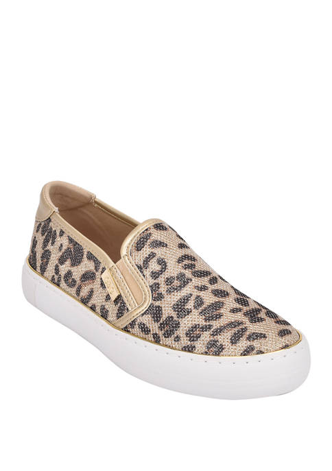 GBG Los Angeles Golly Slip On Sneakers