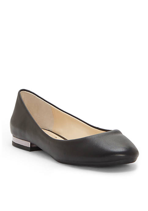 Ginly Round Closed Toe Flats