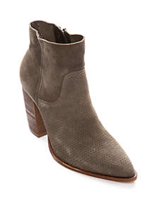 541d6bf5cea Boots for Women: Stylish Women's Boots | belk