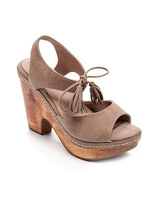 5907c16fc59 Cantar Tassel Wedge Sandal