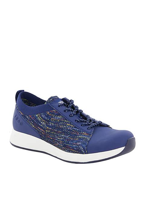 TRAQ Qest Smart Athletic Sneaker