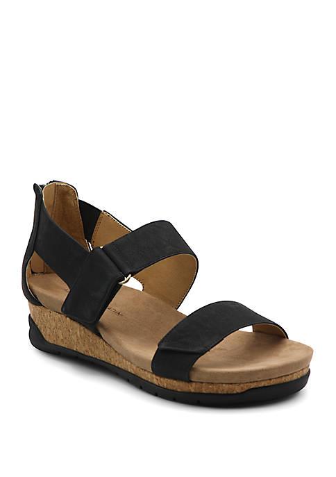 Adrienne Vittadini Taytum Footbed Sandals