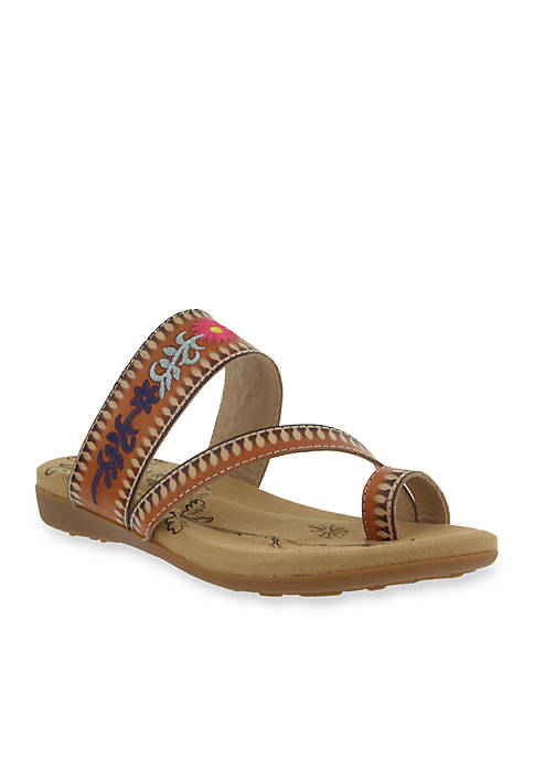L'Artiste by Spring Step Akhila Toe Loop Sandal