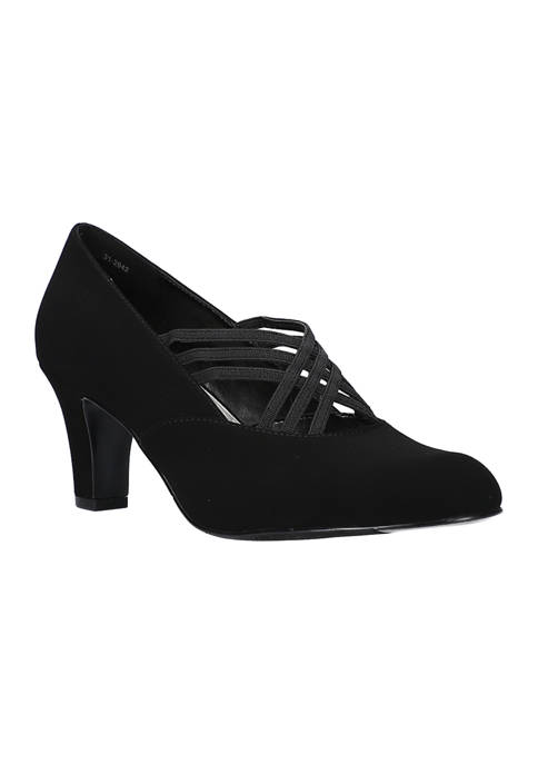 Easy Street Rumer Pumps