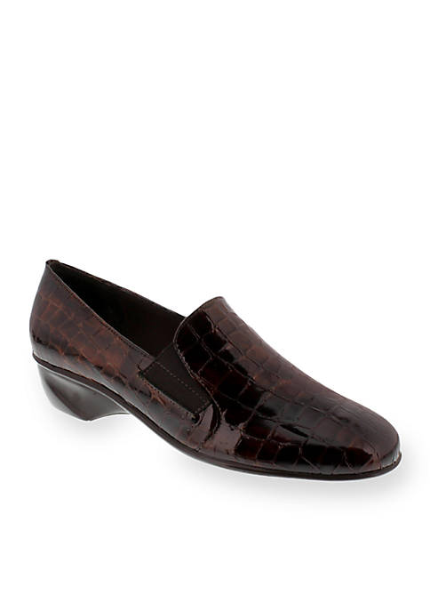 Teri Wedge - Available in Extended Sizes - Online Only
