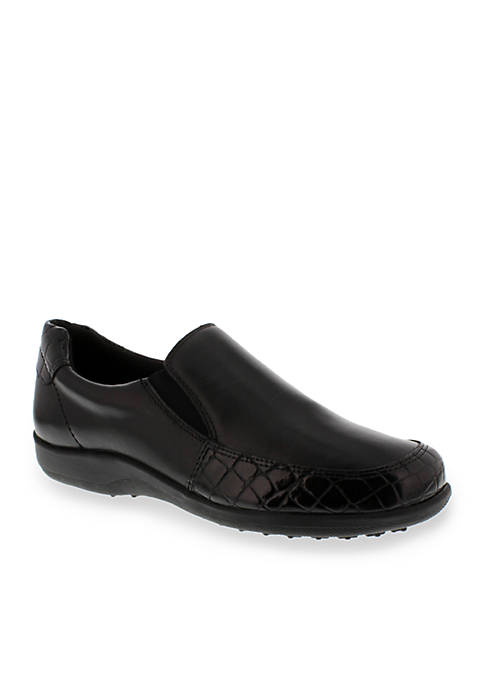 Andie Flat - Available in Extended Sizes - Online Only