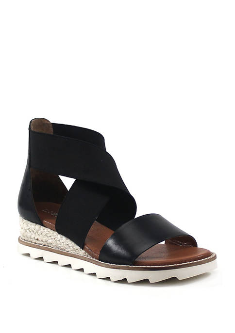 Qwi Ver Strappy Sandals