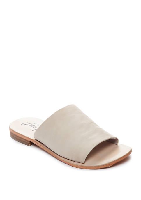 Vicente Slide Sandals