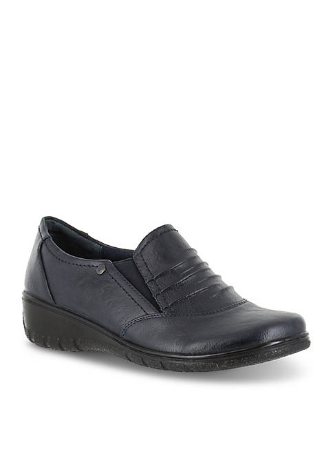 Easy Street Proctor Comfort Slip-On Shoe