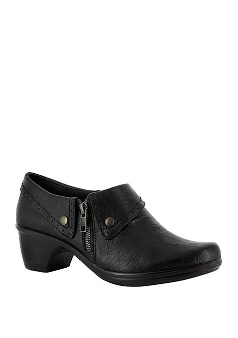 Easy Street Darcy Side Zip Shootie