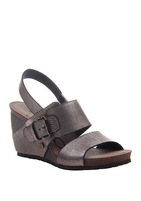 Overnight Wedge Sandals