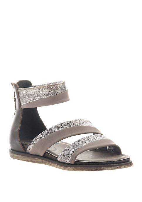 Souvenir Flat Sandals