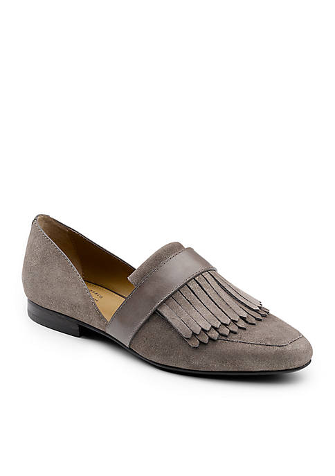 G.H. Bass & Co. Harlow Fashion Kittie Flat