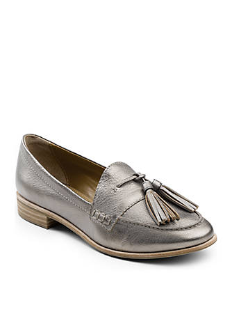 G.H. Bass & Co. Estelle Weejuns Tassel Loafers 9ZQ5LE