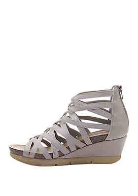 877ecb966 ... Hokus Pokus™ Farrin Wedge Sandals