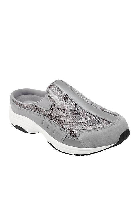 Traveltime 325 Slip-On Sneaker