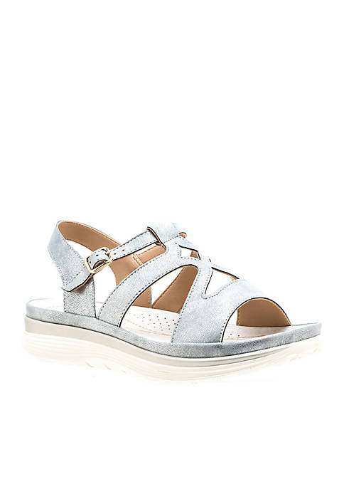 Good Choice Karly Cut Detailing Cushioned Sandals